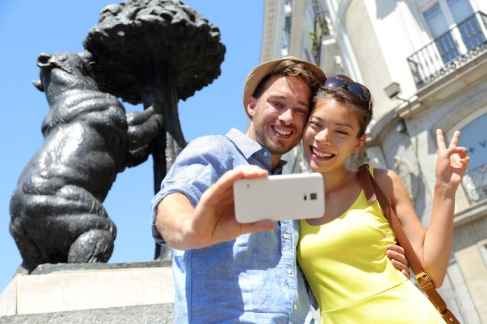 Tourism industry growth with mobile technology