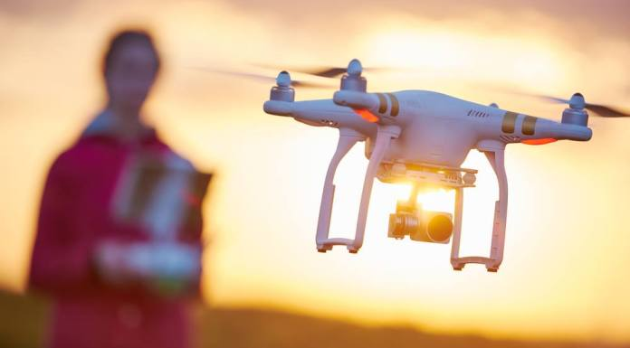 Extend drone flight time by optimizing battery power