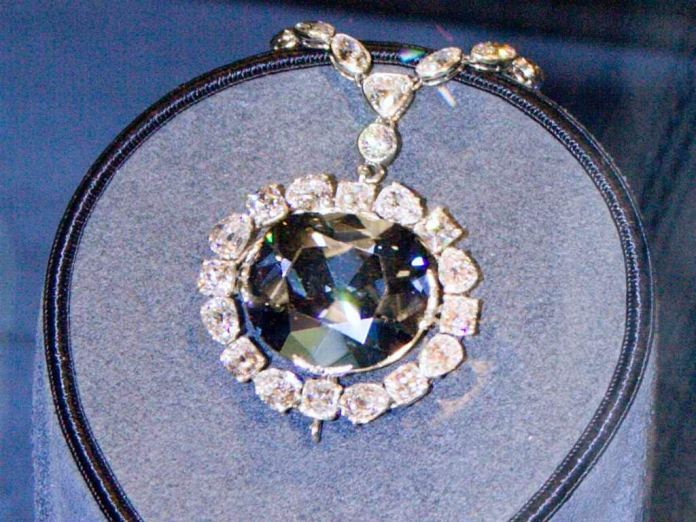 Researchers find UKs Crown Jewels and Smithsonians Hope diamonds came from super deep in the Earth