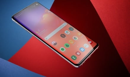 Samsung Galaxy S10 new released software updates are no more available after some bugs reported by the users