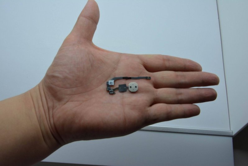 Leaked image of iPhone 5S fingerprint scanner - 2