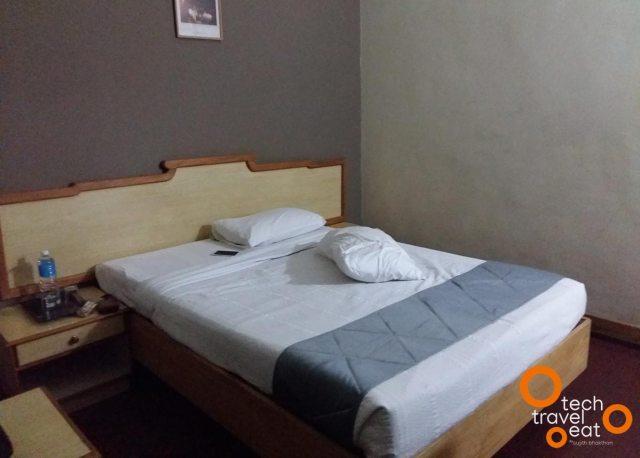 hotel-presidency-ernakulam-room