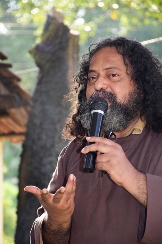 Fr Bobby Jose Kattikad, Photo: Smrithy Biju