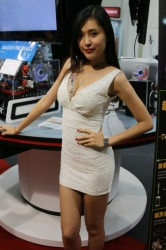 Computex2014-Booth-BabesP262