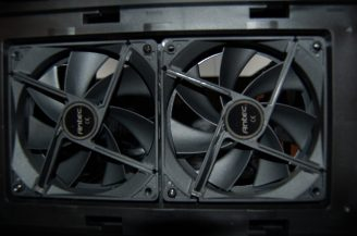 Antec_P70_Top_Fan_Bay