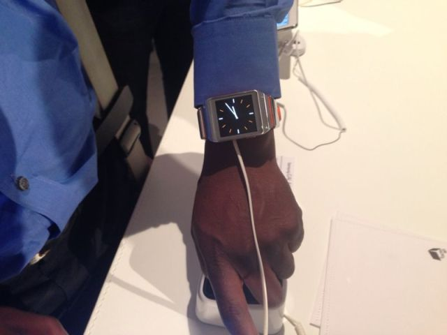 Samsung Galaxy Gear clock