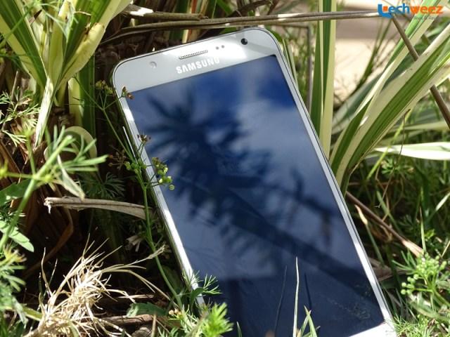 Samsung_Galaxy_J7_3