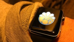 Apple Watch should lose physical button and use haptic feedback to simulate it