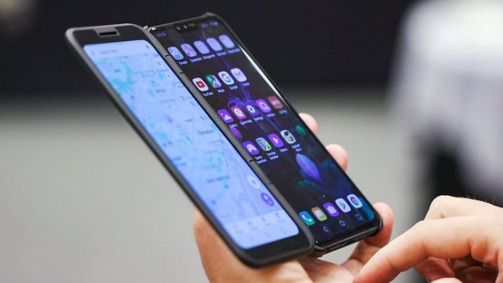 lg-v50-dual-screen