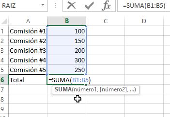 Usando la función SUMA manualmente con el teclado en cómo calcular una suma en Excel