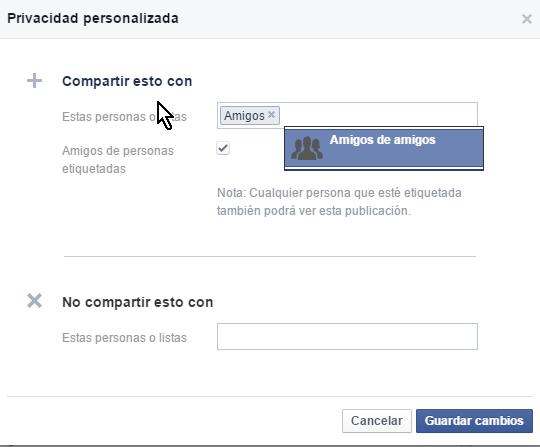 Sección para indicar con quienes compartir el estado Botón para mostrar más opciones de privacidad en cómo personalizar la privacidad de un estado en Facebook