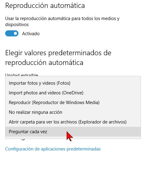 Menú desplegable para la Tarjeta de memoria en cómo habilitar o deshabilitar la reproducción automática en Windows 10