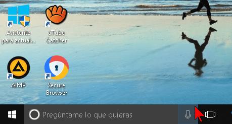 Botón para usar el micrófono y dar comandos de voz a Cortana