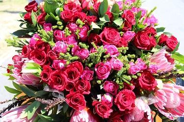 Cómo comprar flores y arreglos en Lilian Rose Flowers