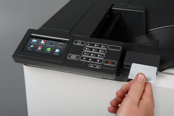 CS820de Closeup Contact Card Reader In Use...