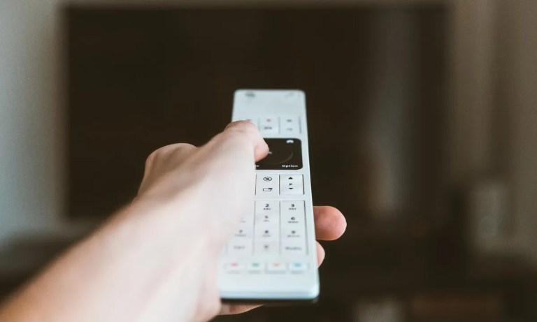 Conoce el mando a distancia universal