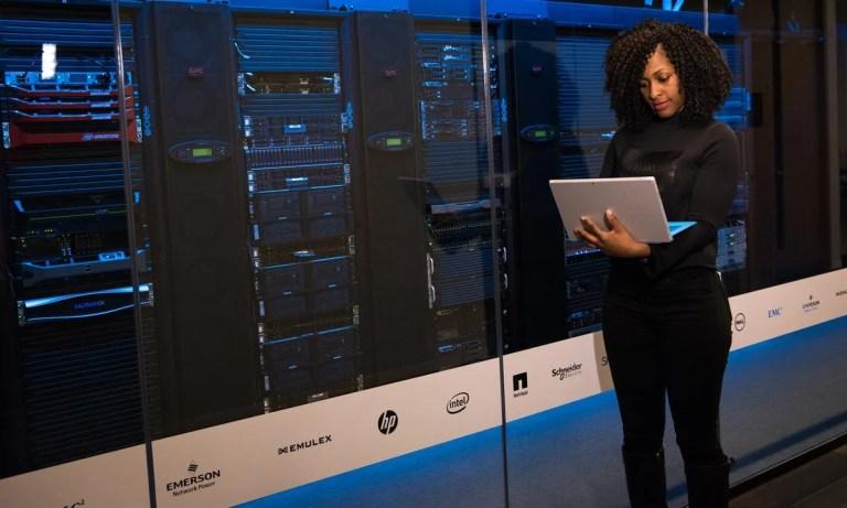 Un servidor dedicado ofrece seguridad a sus clientes