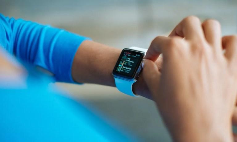 Samsung y Apple quieren crear un reloj inteligente y medición de azúcar en sangre