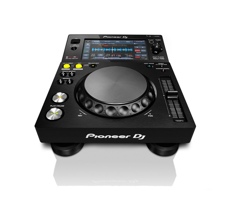 Pioneer_XDJ-700_FRONT-HERO_WHT_LR