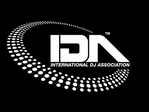logo IDA negro
