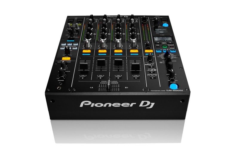 PIONEER_DJM-900NXS2_FRONT_ANGLE_2_WHT