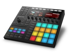 Native_Instruments_MASCHINE_Rendering_05