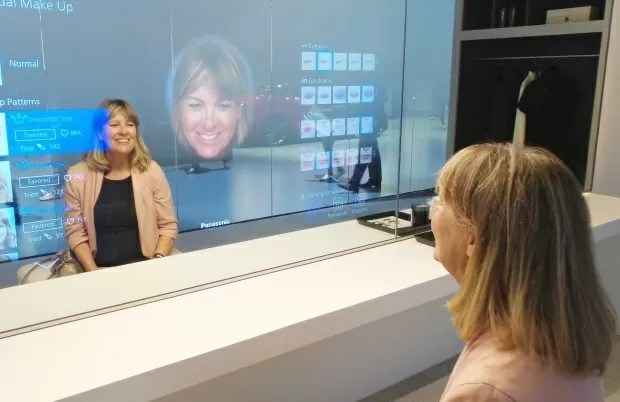 Panasonic Smart Mirror CES 2015