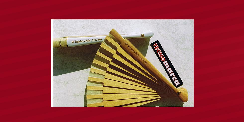 grabado láser abanico madera Dámaso
