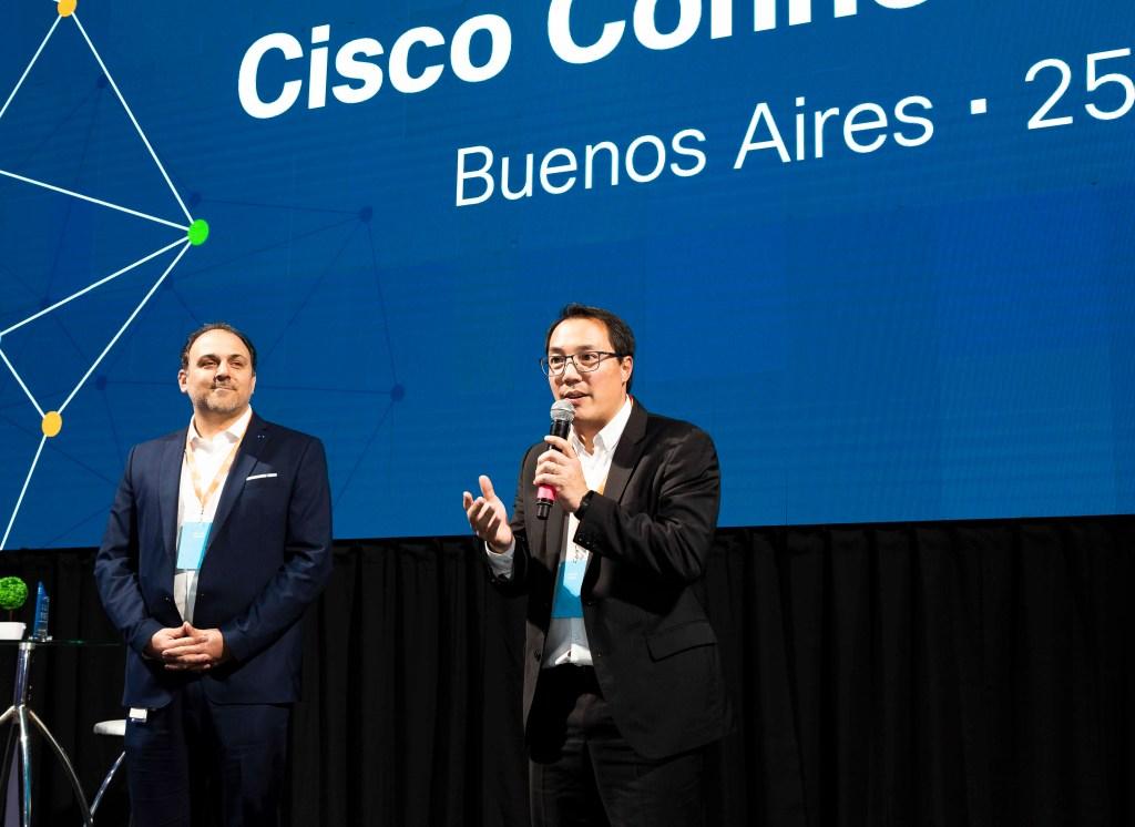 Juan Pablo Estevez y Gabriel Sakata al comienzo de Cisco Connect 2019