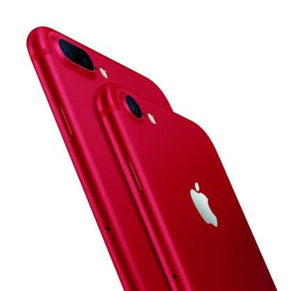 iPhone 7 Red iphone 7 red: você vai amar a nova cor do iphone 7 iPhone 7 Red: Você vai amar a nova cor do iPhone 7 iPhone 7 and iPhone 7 Plus Product Red Hero Lockup 2 Up On White PR PRINT