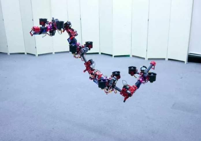 Drone Dragão drone dragão Drone Dragão: Japoneses desenvolveram um drone que muda de forma no ar japonese robot