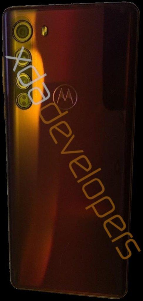 Motorola Edge + tem especificações e design vazados Motorola Edge 8