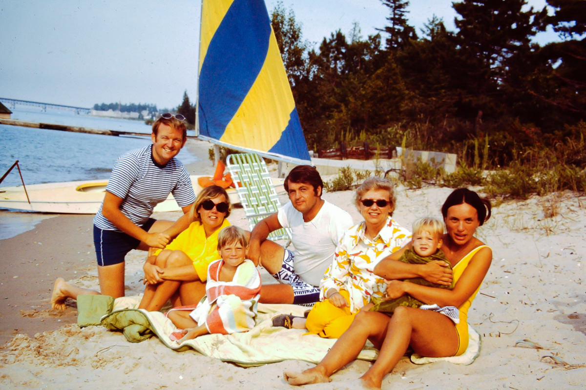 Mackinaw City August 1972; Bill, Susie Eastin, Jamie Eastin, Merle Eastin, Fran, Doug, Jan