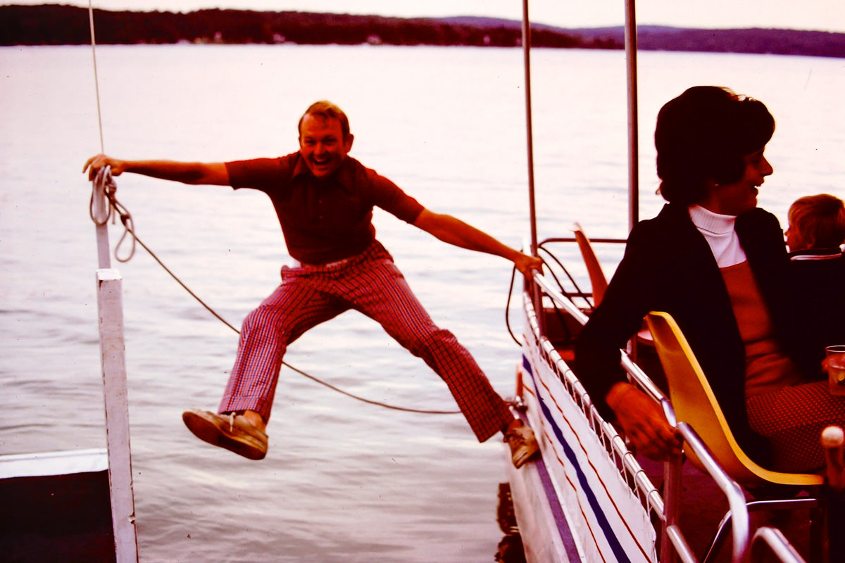 Walloon Lake 1973: Bill also demonstrates 1970's boater safety techniques