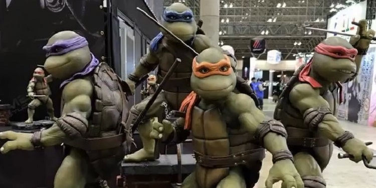 90 S Tmnt Movie Statues At Toy Fair 2016