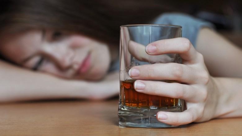 teen drinking alchohol