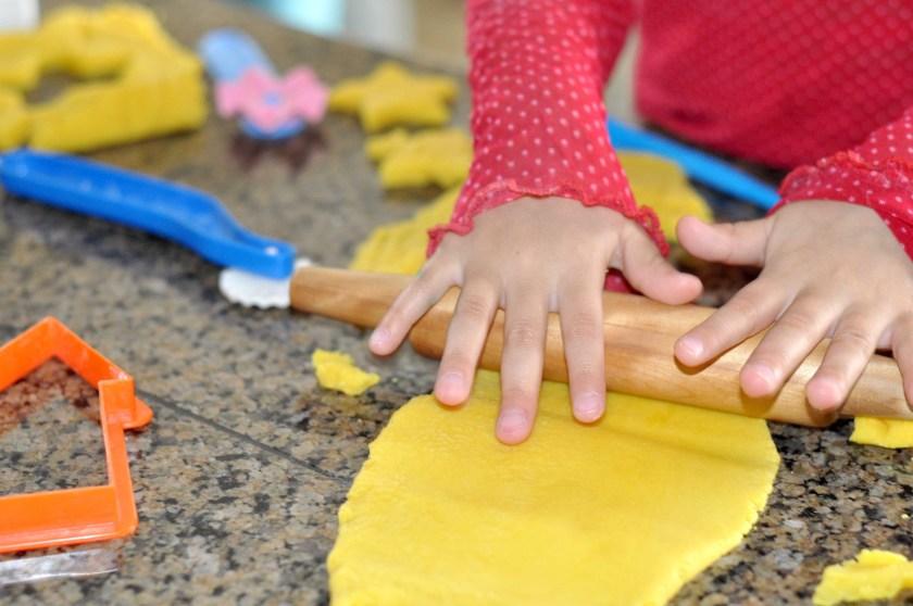 Easy Homemade Play Dough www.TeepeeGirl.com