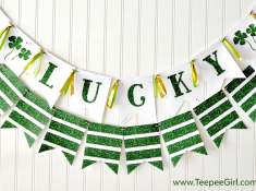 Get these free St. Patrick's Day Banners at www.TeepeeGirl.com! Choose your style and just print, cut, and display!
