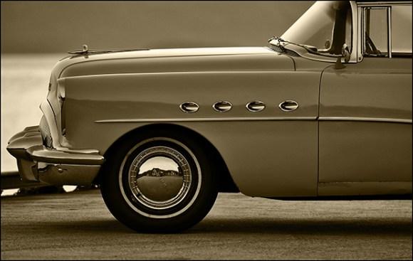 Buick Roadmaster in golden hour _620