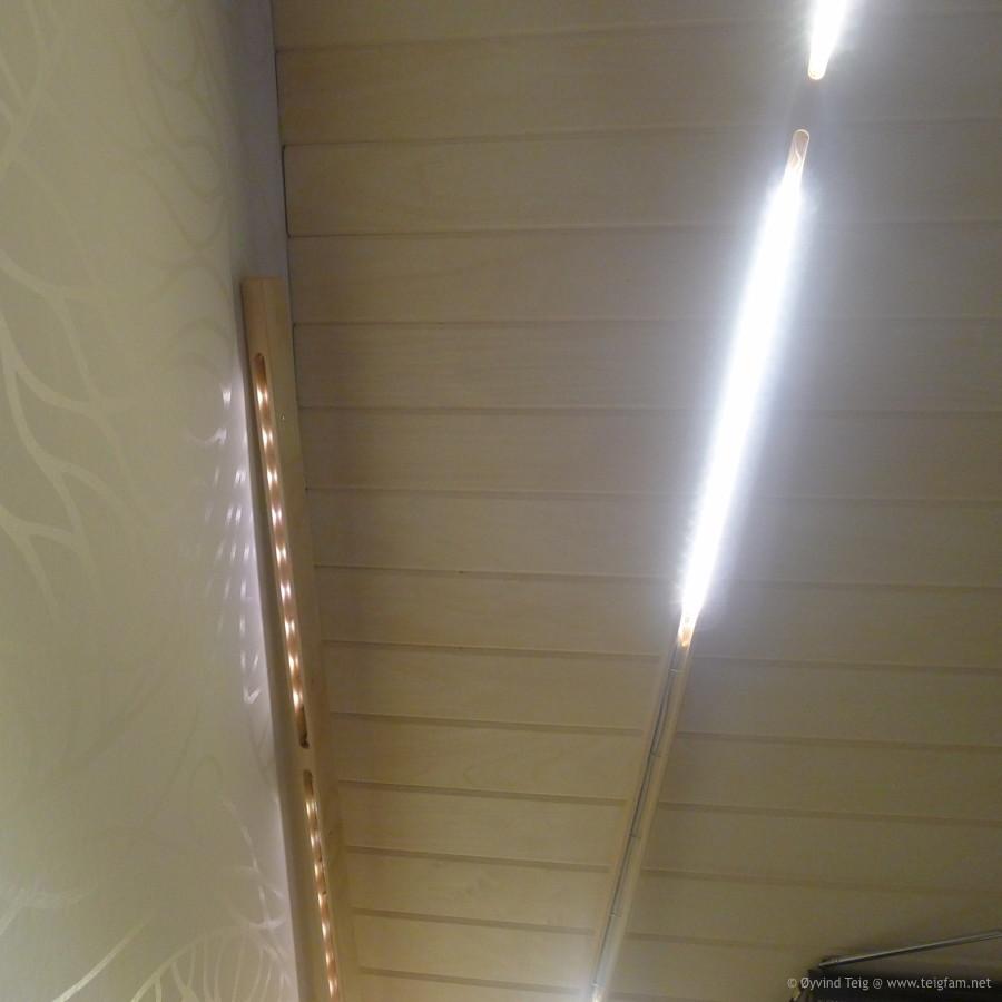 fig05-LEDuncle-stand-lamp