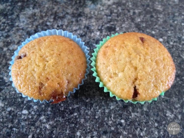 Mini Vanilla Choc Chip Muffin Cakes
