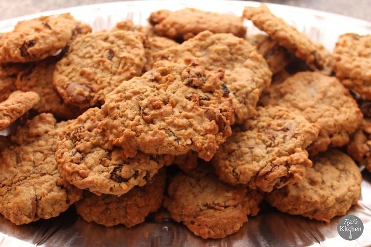 Peanut Butter Oat Raisin Cookies