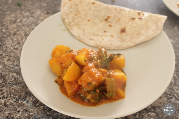 Potato, Spinach & Courgette Curry ( Shak)