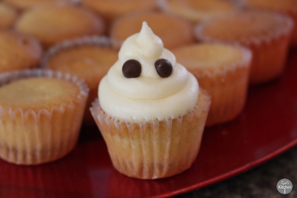 Halloween Ghost Mini Cup Cakes
