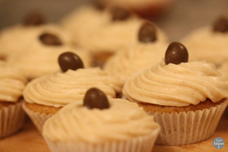Spiced Pumpkin Cupcakes cream cheese frosting