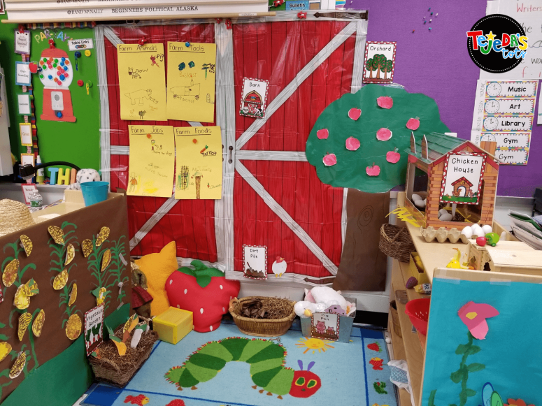 Our classroom farm! Ideas for a structured play classroom farm in kindergarten and first grade #tejedastots