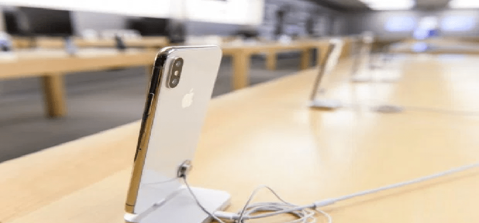 Apple's Dishonest Explanation Of The iPhone X Screen Problem