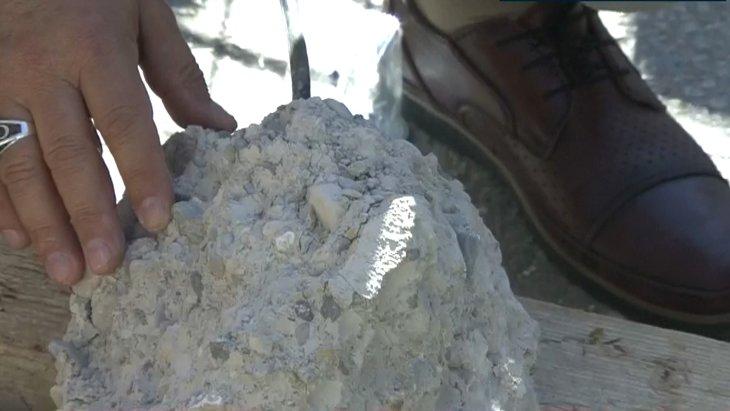 İzmir'de yıkılan binada kullanılan malzemeler kalitesiz çıktı