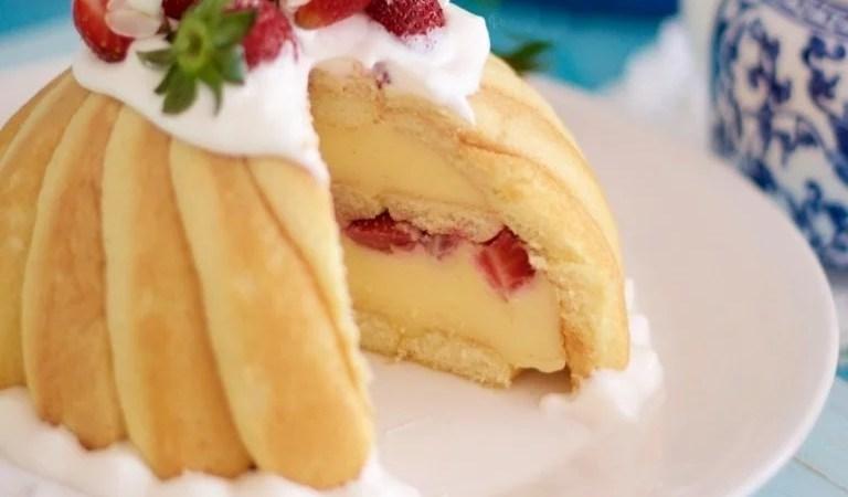 Çilekli Kedi Dili Bisküvili Pasta Tarifi