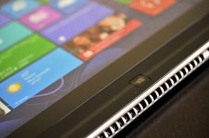 Lenovo IdeaPad Yoga 13 - orificios